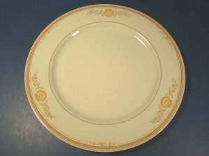 NEWPORT GORHAM TOWN and COUNTRY FINE CHINA DINNER PLATE OVEN MICROWAVE SAFE PORCELAIN DISH JAPAN