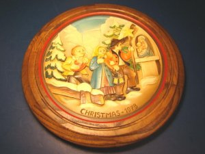 Anri 1978 Christmas The Klockler Singers wood carved plate handcrafted Italy No. 1119 wooden framed