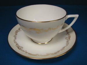 Minton Felicity England bone china tea coffee cup saucer H5289 gold scroll design porcelain