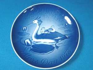 1978 Mother's Day B&G Bing and Grondahl Mors Dag plate Copenhagen Denmark blue white Heron bird