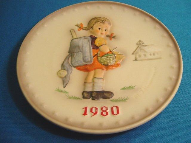 1980 M. J. Hummel Goebel school girl collector plate # 273 10th Annual W. Germany porcelain