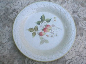Mikasa Laurel C3002 Strawberry Fields China Salad Plate