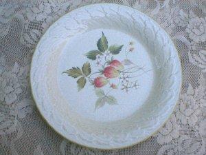 Mikasa Laurel C3002 Strawberry Fields China  Dinner Plate