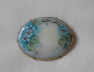 Antique Handpainted Brooch/Forget Me Nots