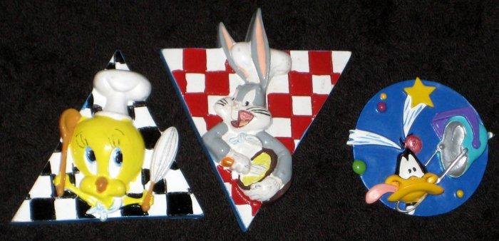 Looney Tunes Pin Lot of 3 Tweety Bird Bugs Bunny Daffy Duck Warner Bros