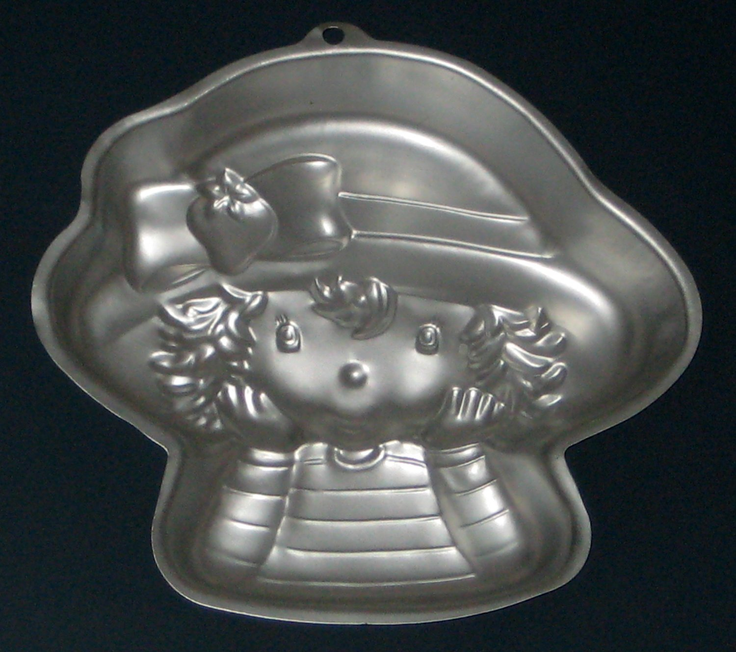 SOLD Strawberry Shortcake Wilton Aluminum Cake Pan 2105-7040