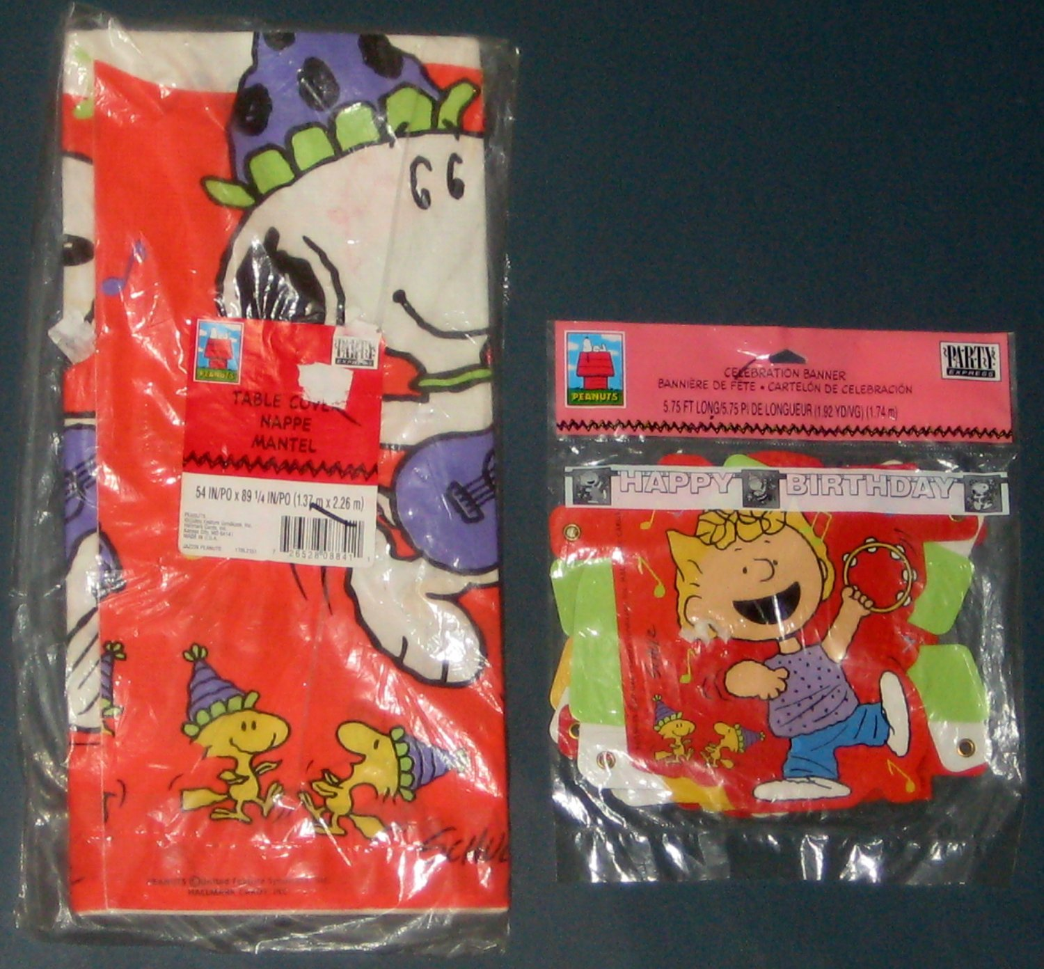 SOLD Jazzin Peanuts Gang Snoopy Birthday Decorations Table Cover Tablecloth Celebration Banner