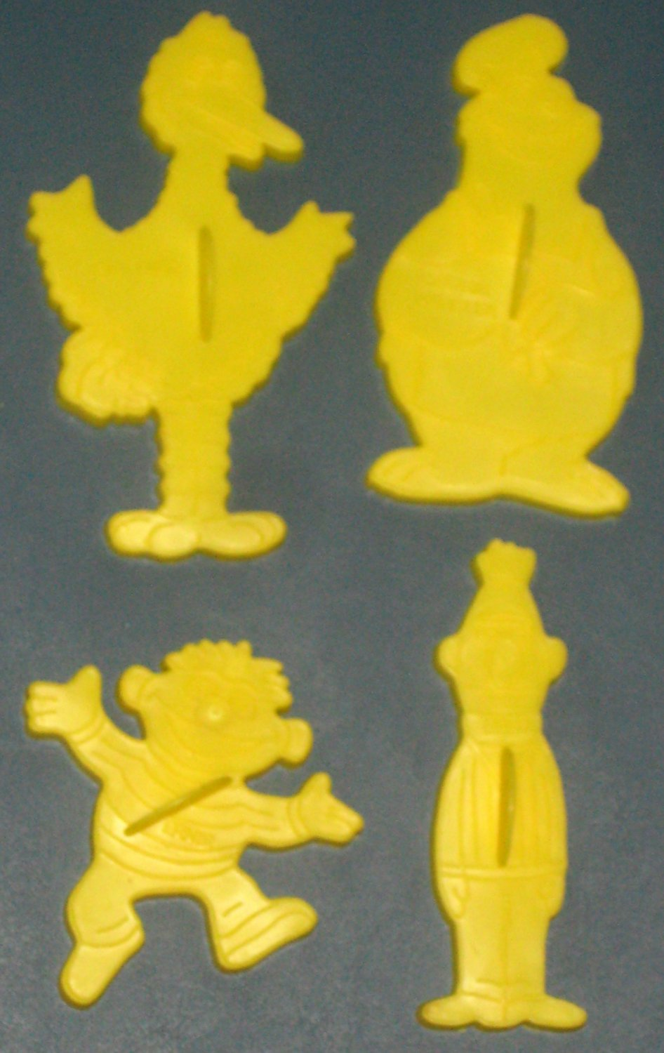 SOLD Sesame Street Wilton Cookie Cutter Set of 4 Muppets Big Bird Ernie Bert Cookie Monster 509-2016