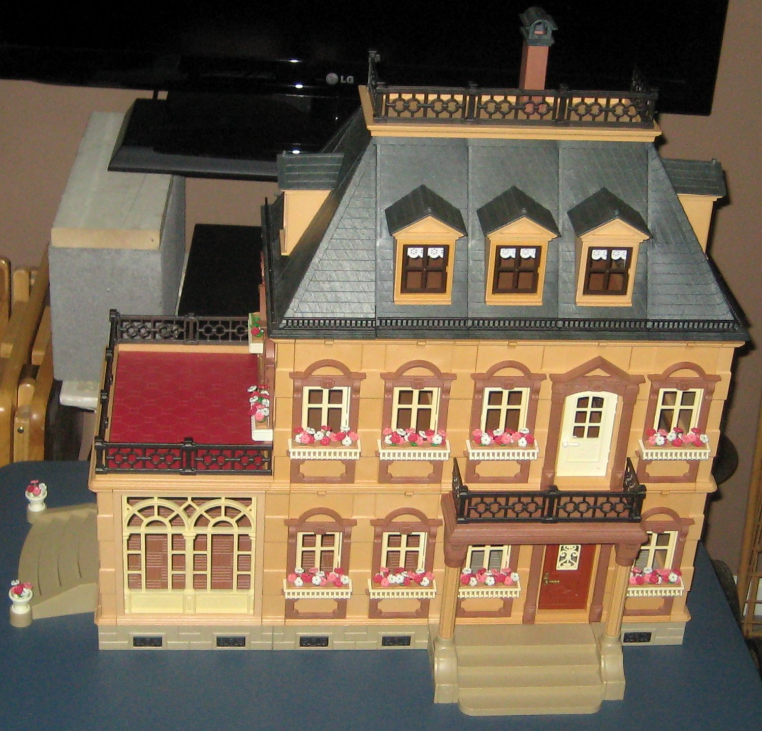 Inspirational playmobil victorian dining room light of for Playmobil dining room 5335