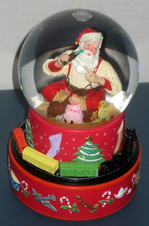 SOLD Coca-Cola Hallmark Santa Claus Musical Snow Water Globe Coke Moving Train Haddon Sundblom 2001