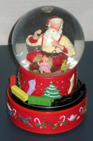 Haddon Sundblom Coca-Cola Hallmark Santa Claus Musical Snow Water Globe Coke Moving Train 2001 4