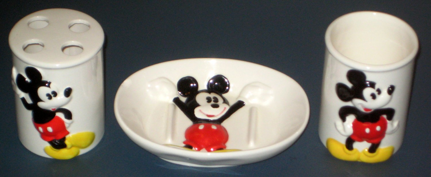 Mickey bathroom set