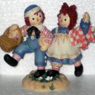 677744 How Nice to Have Such Happy Sunny Friend Raggedy Ann & Andy Enesco Figurine Picnic Basket NIB