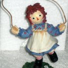 Raggedy Ann & Andy Enesco Figurine Jumprope 677736 Hop Over Troubles with a Happy Heart Inside NIB
