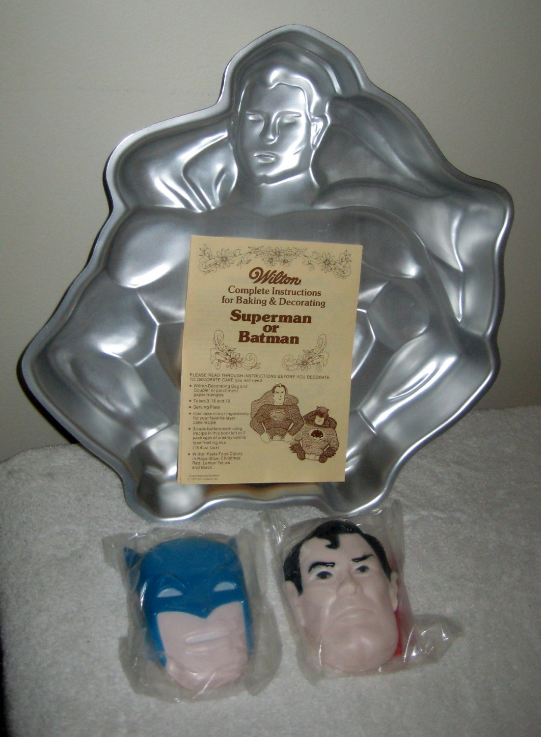 SOLD Wilton Super Hero Cake Pan Lot Batman Superman Spiderman Face Chest Emblem 2105 5052 8507