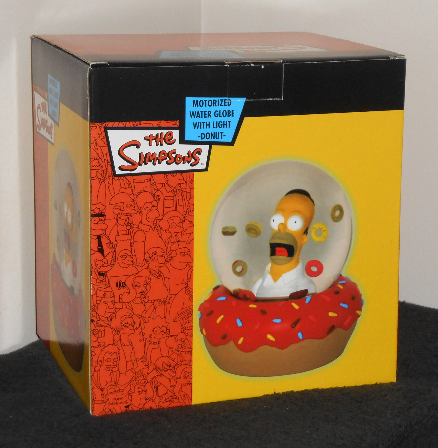 SOLD Homer Simpson Motorized Water Globe with Light Donuts Waterball Ball Fox TV 2004