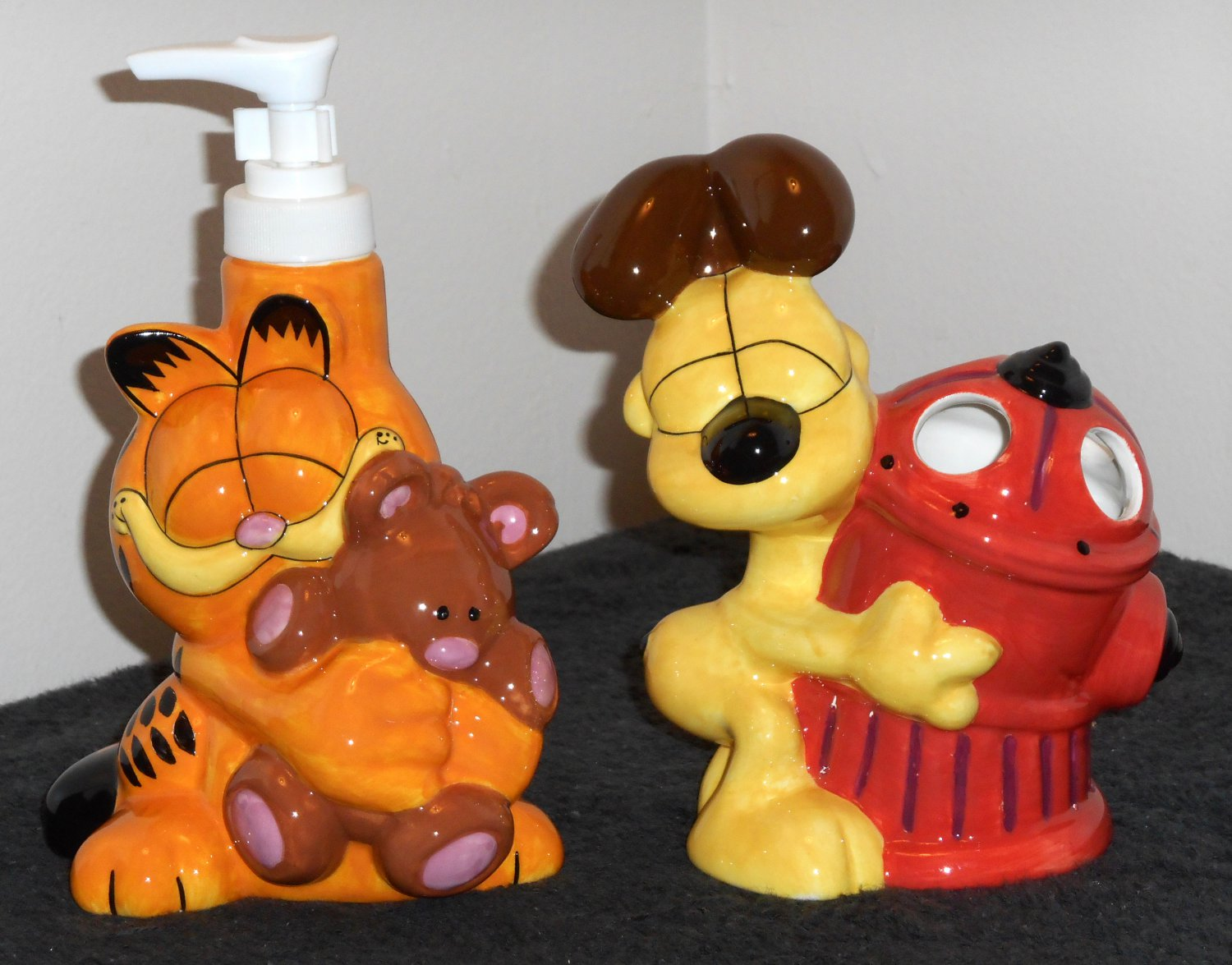Sold Out Garfield The Cat Odie Dog Bath Accessories Set
