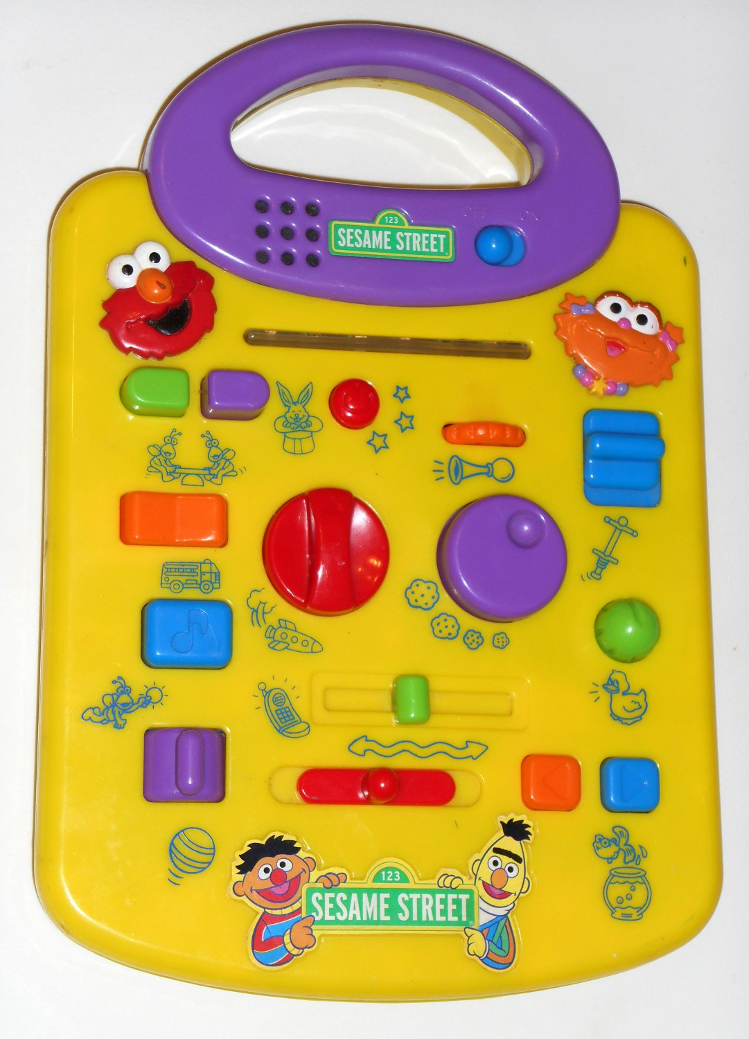 SOLD OUT Sesame Street Lot Giggle Silly Sound Station Surprise Elmo Zoe Cookie Monster B9029
