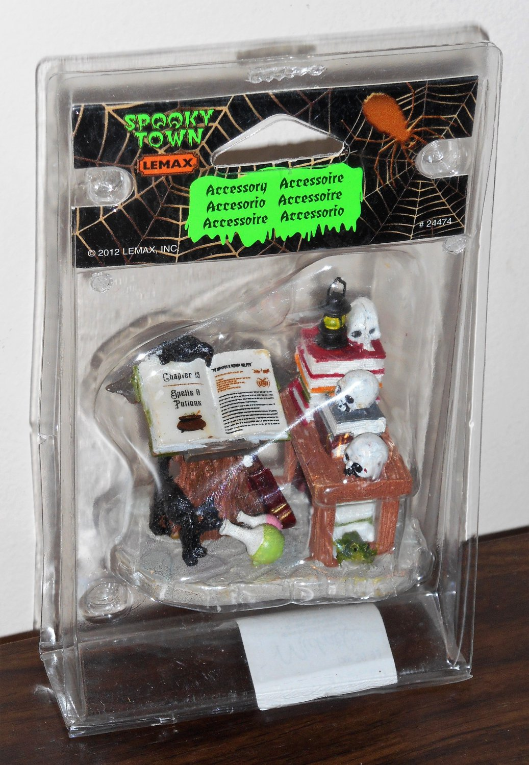 Lemax 24474 Warlock's Workshop Figurine Magic Potions Spooky Town Collection 2012 Halloween