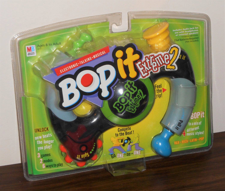 Bop It Extreme 2 BopIt Electronic Talking Musical Game 40940 Pull Twist Milton Bradley NIP 2002