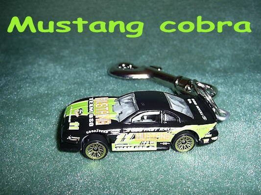 MUSTANG COBRA CAR  KEYCHAIN & SWIVEL CLIP (FREE SHIPPING)