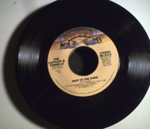 Captain & Tennille   Do That To Me One More Time/. The Dark.1979