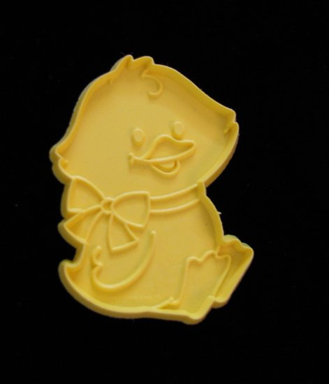 Hallmark Easter Chick with Bow Yellow Cookie Cutter