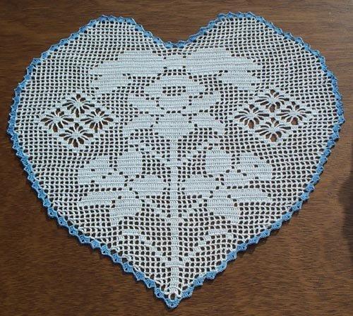 Jonquil Heart Filet Hand Crochet Doily - **NEW**