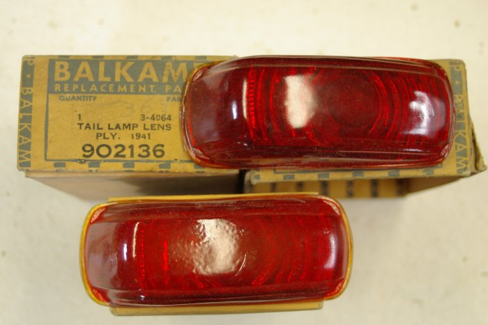1941 PLYMOUTH Tail Lamp Lens ( taillight)
