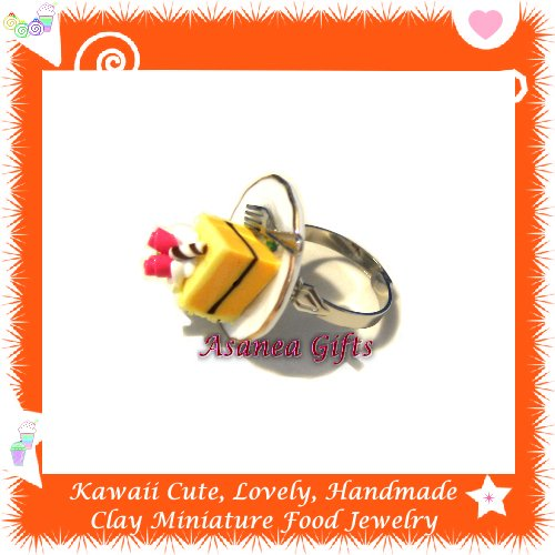 FOOD JEWELRY - HANDCRAFTED MINIATURE CAKE SLICE ON PLATE PENDANT RING ECMFJ-RG1021