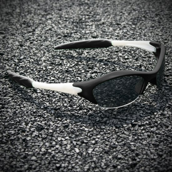 Half-frame | BLACK + PEARL