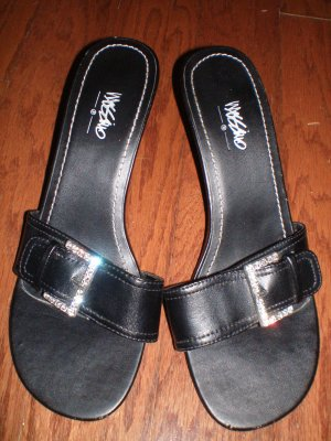 MOSSIMO BLACK HEELS -MOSSIMO BLACK SANDALS- 7.5 US
