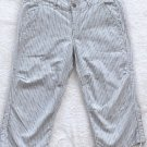 DA NANG  Womens/Juniors Capri pants  Size medium