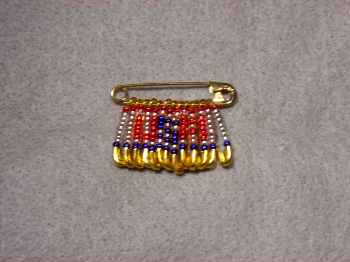 LC800F - Small Patriotic Friendship pin