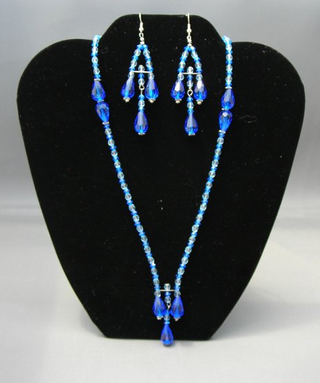 LC956S - Capri Blue Swarovski Necklace and Earring set