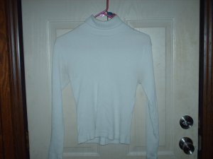 White Children's Ribbed Turtleneck Size Large - Gently Worn