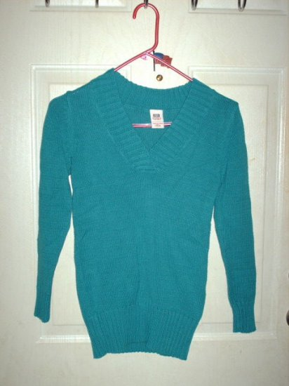 Girl's Turquoise V-Neck Sweater Size Large (10/12) Gently Worn