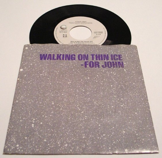 Yoko Ono * WALKING ON THIN ICE * Original 45rpm with Pictire Sleeve Rare 1981 Mint