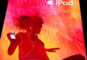 iPod Original AD Poster TROPICS 2' x 4' Rare 2007 Mint