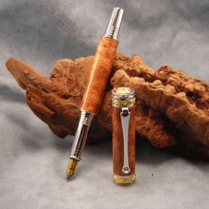 PIcasso Fountain Pen - Amboyna Burl