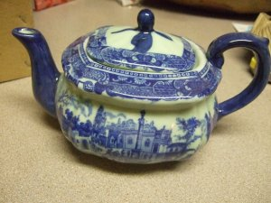 VICTORIA WARE IRONSTONE Tea Pot 'Flow Blue' NEW