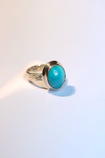 Turquoise w/hand engraved band