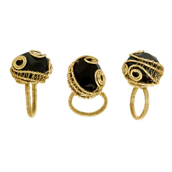 Black Onyx Eve Ring in Gold