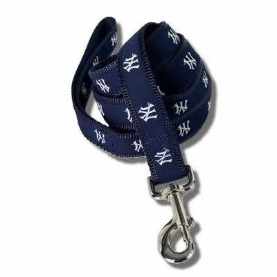 New York Yankees 6 Ft Dog Leash Small