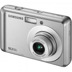 """Samsung Silver 10.2MP Camera with 3x Optical Zoom and 2.5"""" LCD"""
