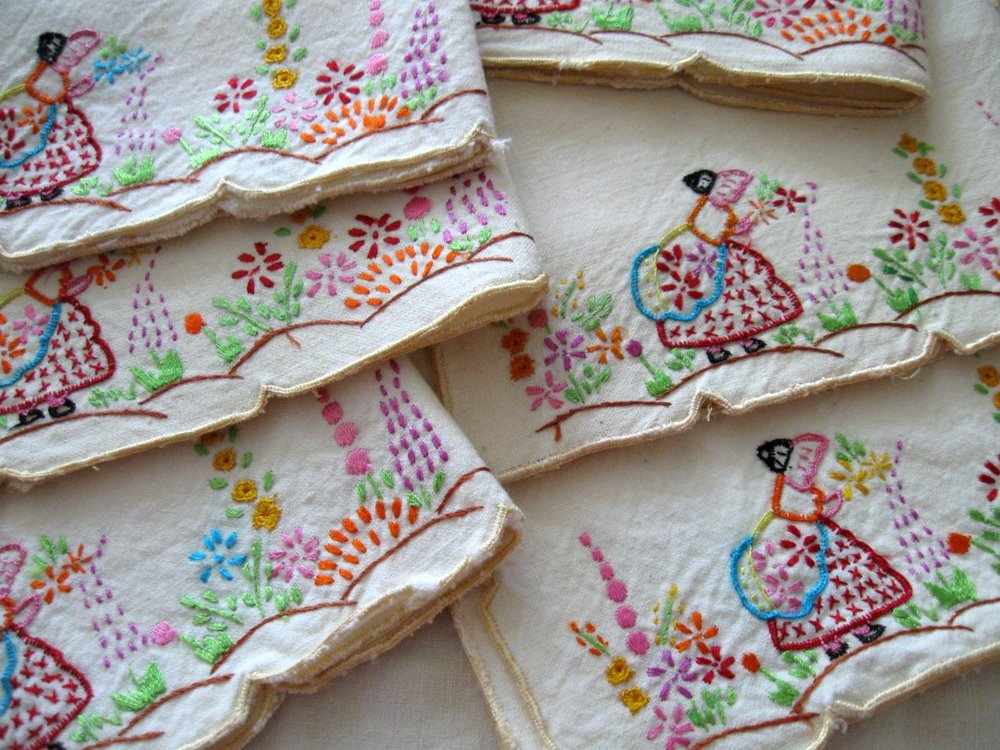 emnbroidered vintage napkins lady in garden flowers