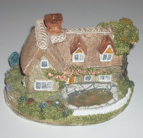 Castleham Cottage Collection Elm Cottage