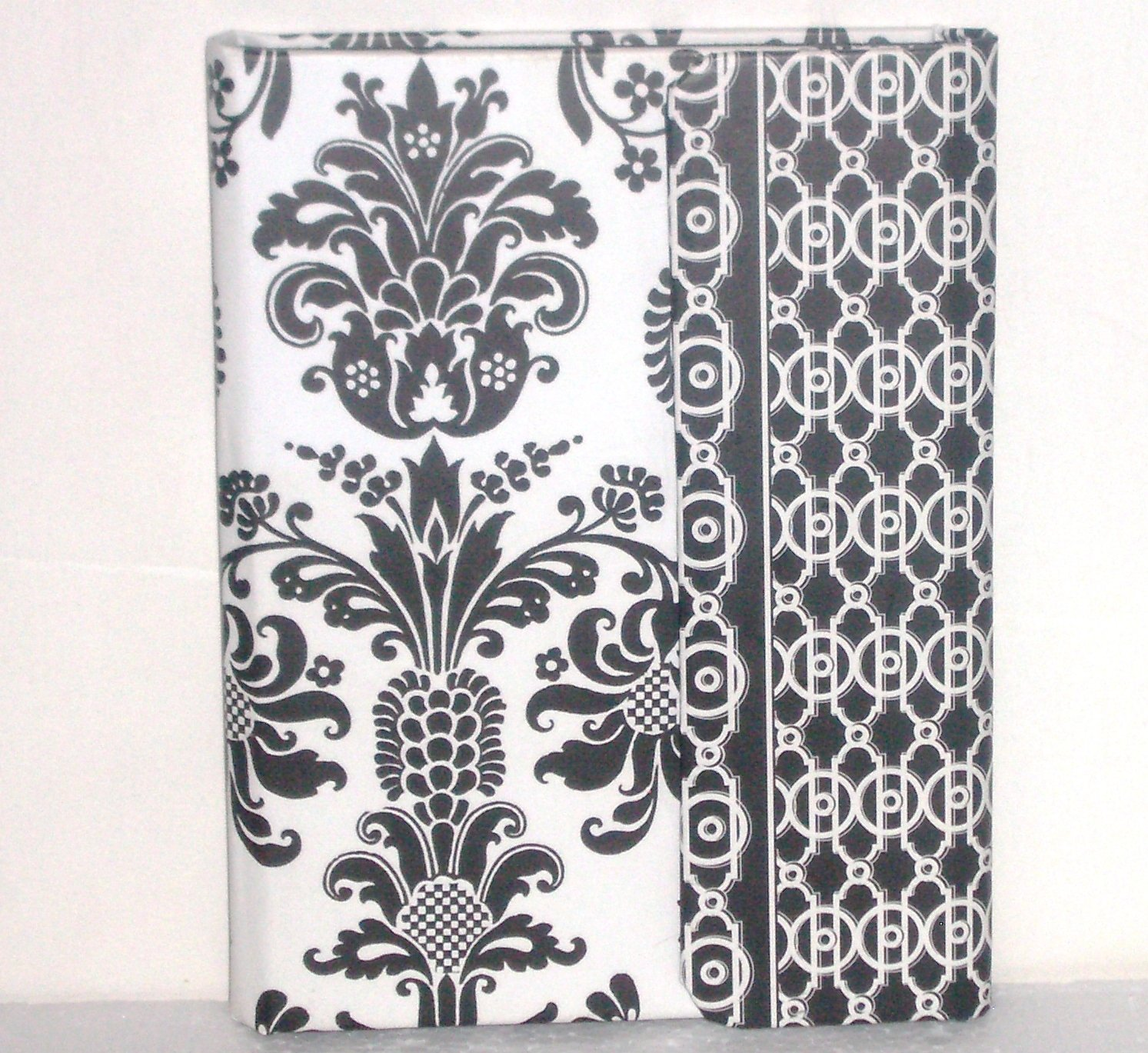 C.R. Gibson Masquerade Trifold Mini Photo Album