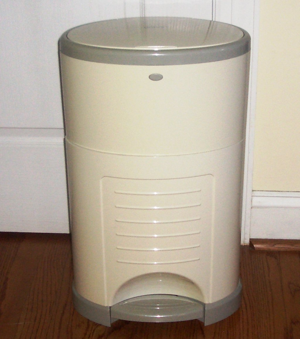 Dekor plus diaper disposal 3 refills up to 4800 diapers for Dekor diaper pail