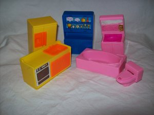 Vintage Dollhouse Furniture Miniatures Plastic ARCO Hong Kong Toys Role Playing